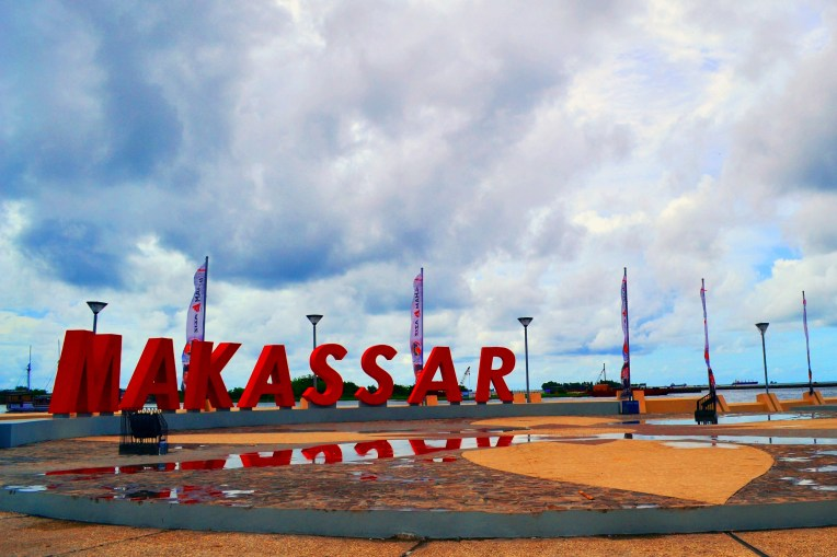 Red Makassar, Losari Beach