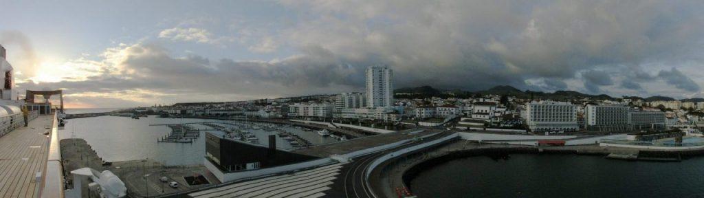 Ponta Delgado, Sinterklaas kwam vroeg dit jaar …