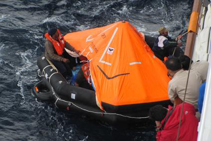 Op zee, met een reddingsactie
