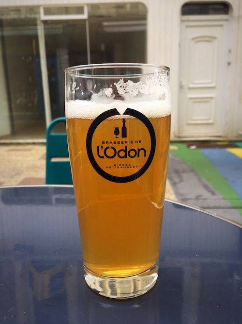 Cherbourg   Franse biertjes drinken