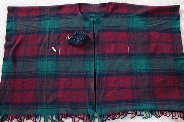 wool-blanket-coat-measure-and-mark-belt-loops