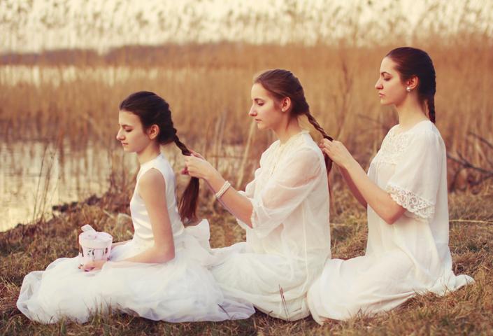 sisters_by_inessa_emilia-d4x9yr2
