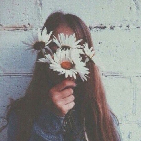 alternative-flowers-girl-grunge-Favim.com-2446034