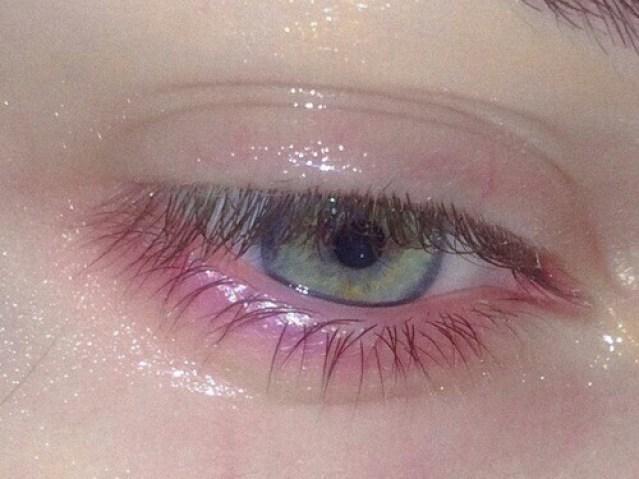 eyes-girl-grunge-pale-favim-com-2650959