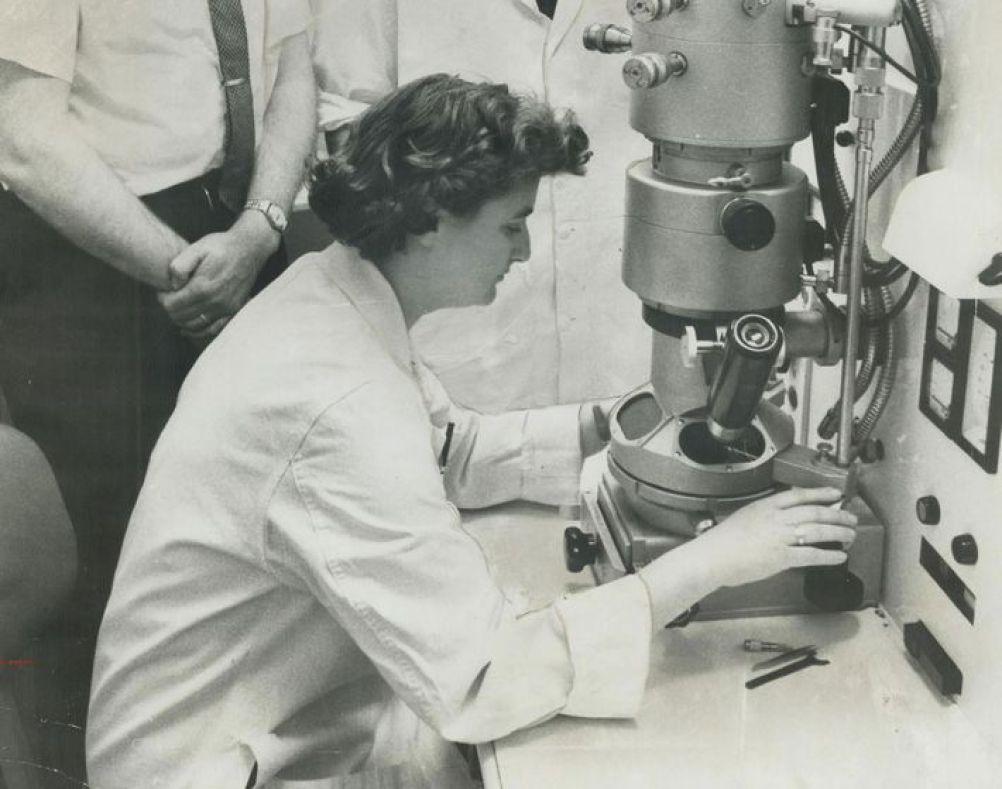 https://i1.wp.com/mujeresconciencia.com/app/uploads/2020/05/first-woman-coronavirus-og.jpg?resize=1002%2C789
