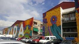 Leben – und das so bunt wie möglich. Kunstwerk von Boa Mistura in Madrid.
