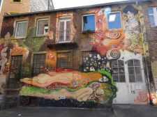 Detailreich & bunt ist das den Gustav Klimt Gemälden nachempfundene Kunstwerk von Mohee in Mannheim.