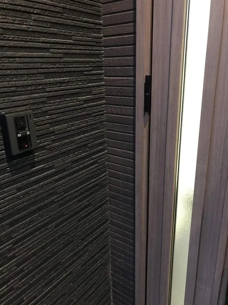 盲点!玄関の室外インターフォンの設置場所。意外と考えないで設置した家
