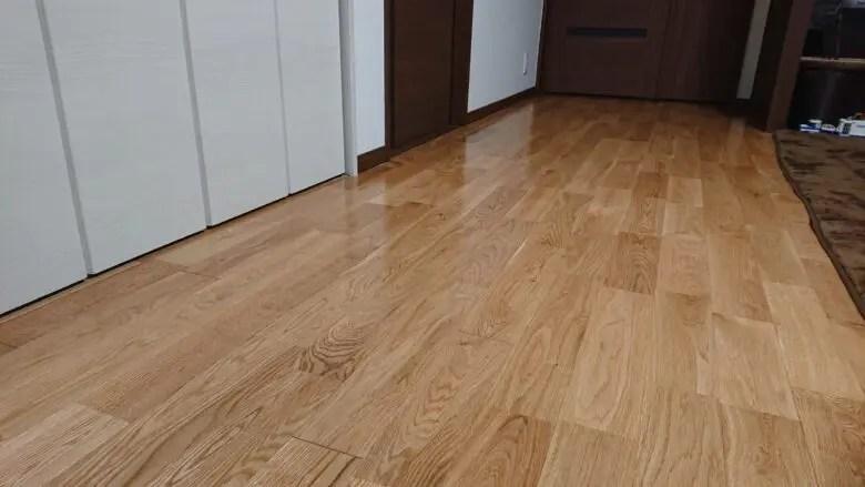 マイホームのこだわりは「無垢の床板」。リビングの床材選びにとことんこだわった家