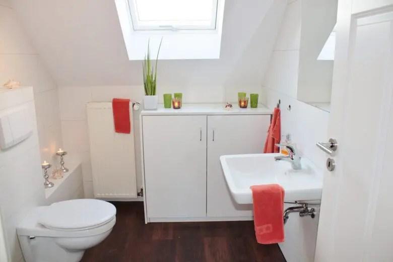トイレの位置に失敗。音やニオイがきになる家。間取りを考える時に周囲も把握しよう