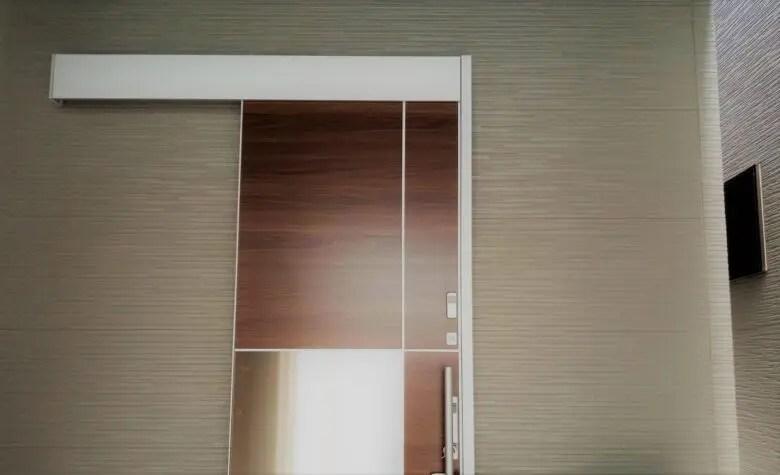 狭小住宅の玄関に引き戸はマスト。「和」を思い、魅力を目一杯伝える記事