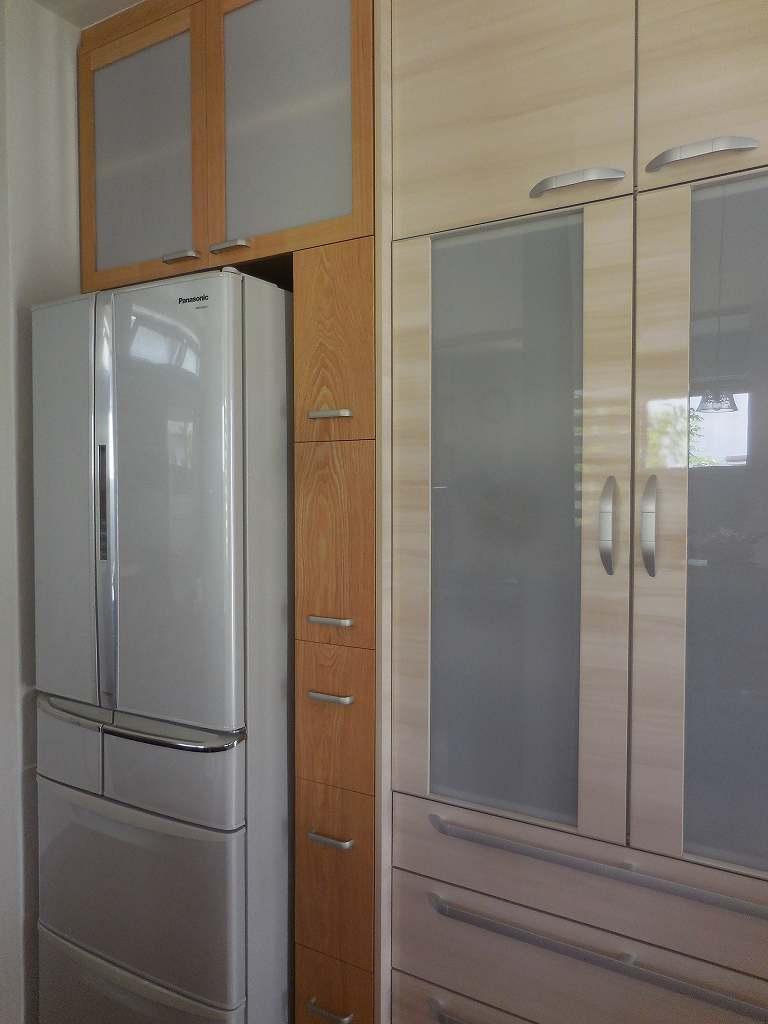 隙間家具と吊り戸棚