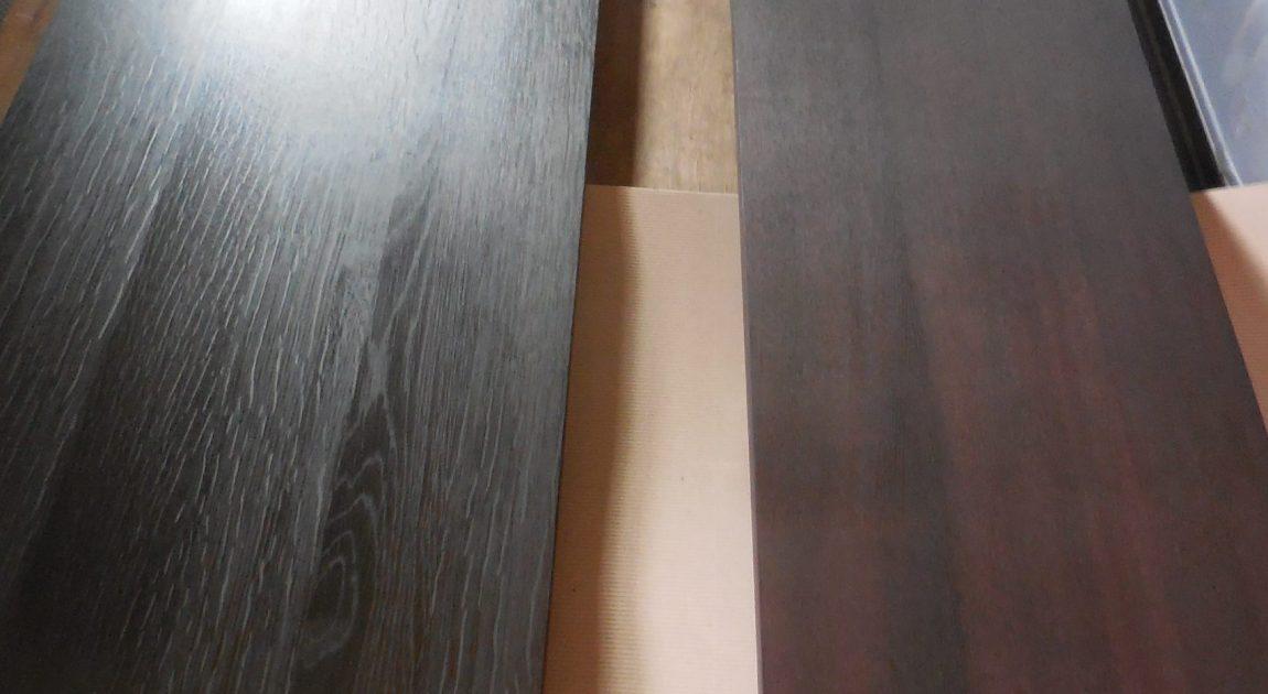 扉と天板の塗装。