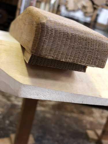 ローテーブル,反り止め材