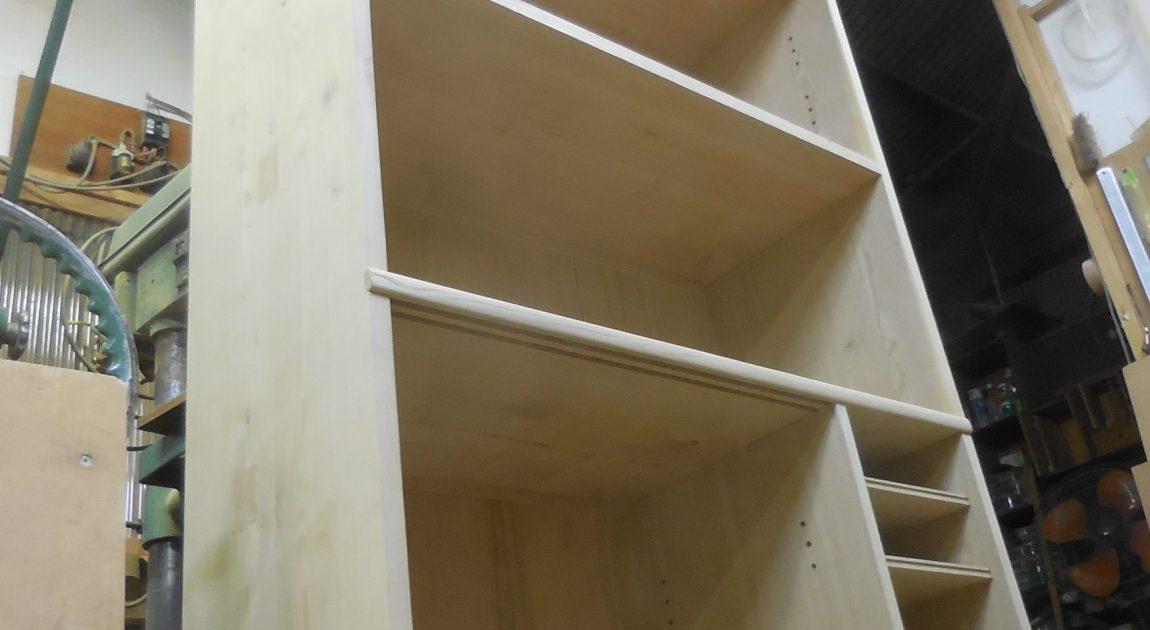 食器棚(カップボード)組み立て
