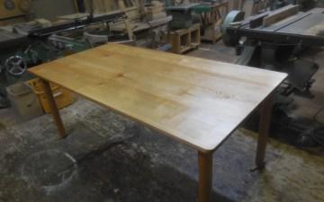 ダイニングテーブル オイルフィニッシュ塗装