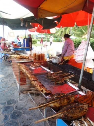 Les poissons grillés du Crab Market à Kep