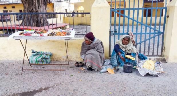 Rishikesh, vendeurs de chapatis