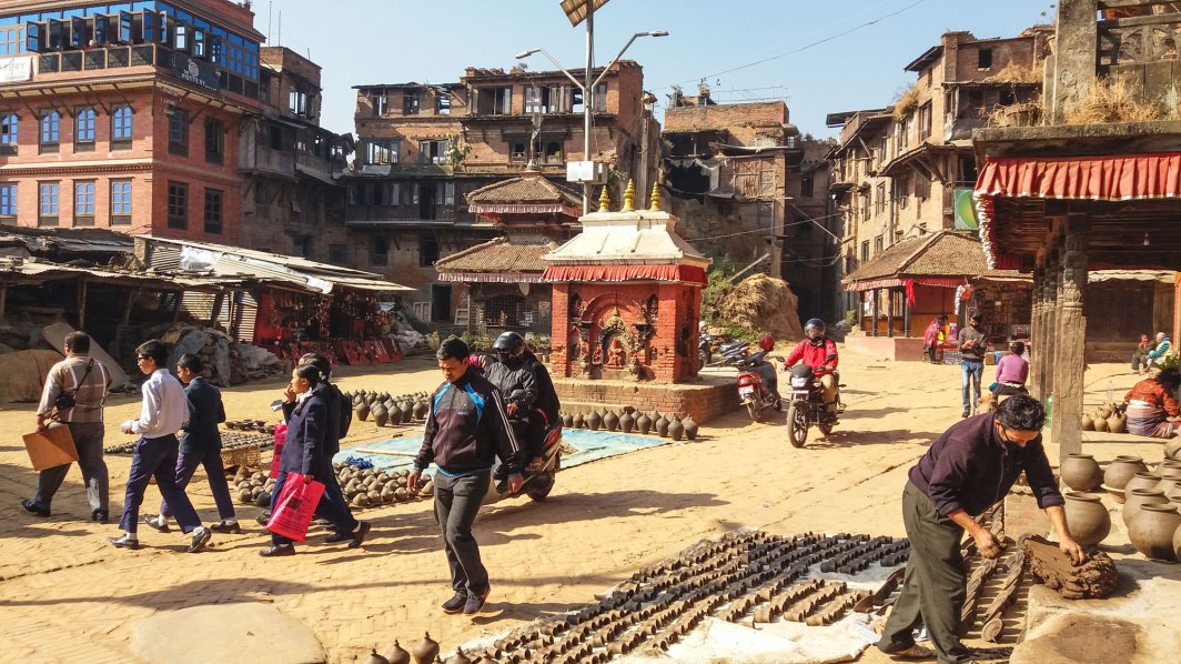 Place des potiers à Bhaktapur au Népal