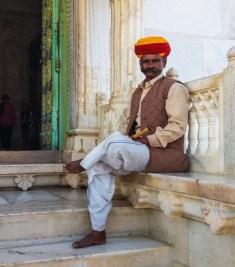 Jodhpur Inde,surveillant devant l'entrée du Jaswant Thada