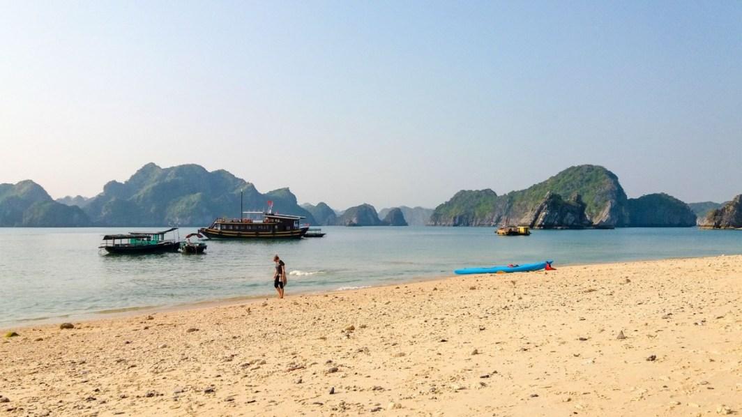 L'île aux Singes baie de Lan Ha Vietnam