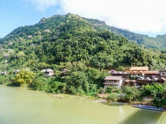 Hôtel Nong Kiau Riverside à Nong Khiaw au Laos