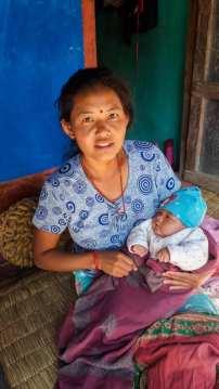 La mère et son enfant à Ramkot