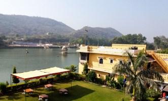 Le Nawalsagar Bundi face au lac