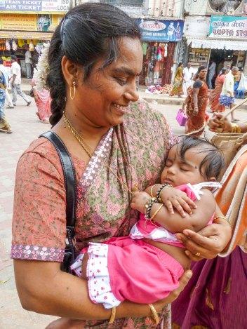 Portraits de femmes et enfants à Madurai