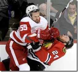 kronwall_lays_out_havlat_large[1]