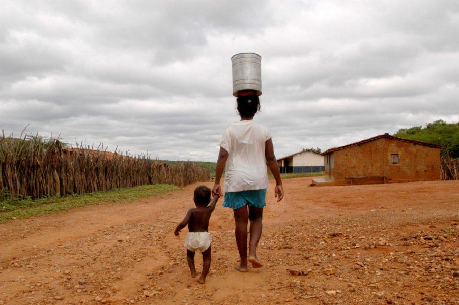 #01 – Brasil aumenta pobreza – norte e nordeste são as regiões mais atingidas