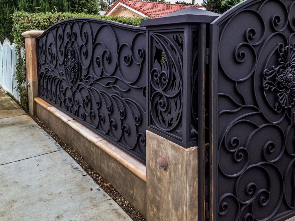 Iron fence with swirled design