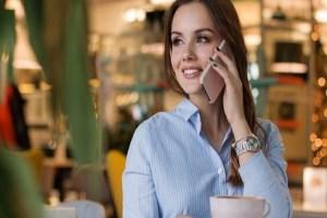 كيف تجعل شخص يحبك بالكلام في الهاتف