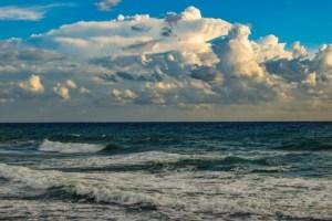 السقوط في البحر في المنام