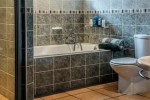 تفسير حلم دخول الحمام والخروج منه