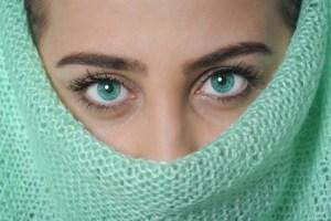 تفسير حلم مكياج العيون للعزباء