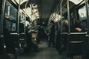تفسير حلم ركوب الباص للعزباء