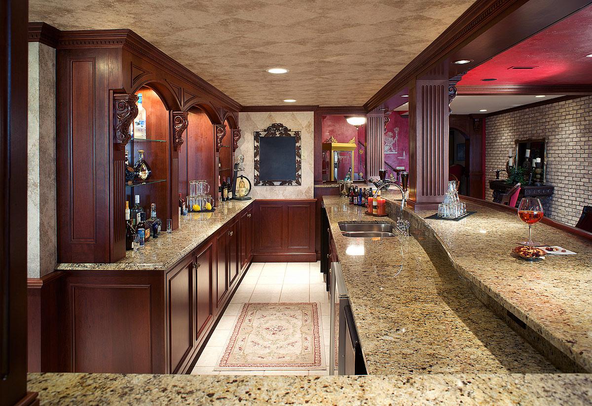 Mullet Cabinet Pub Style Bar