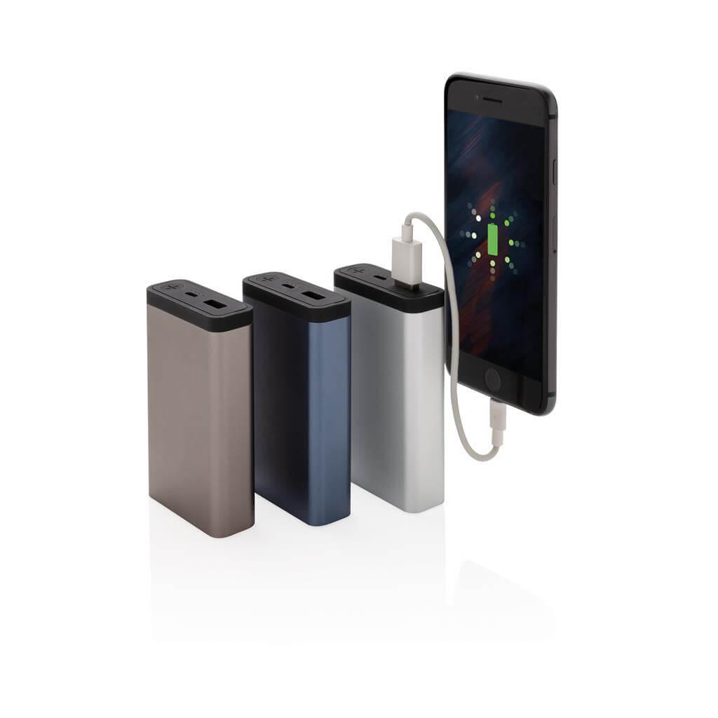Išorinė-baterija-su-logotipu-multidora