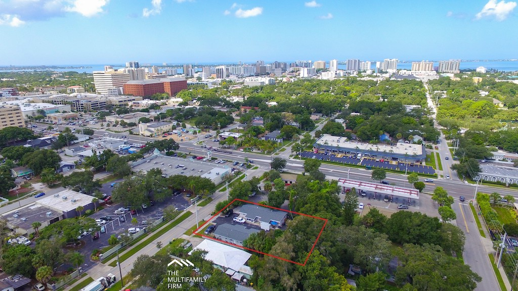 The Multifamily Firm Brokers Apartment Complex Sale in Downtown Sarasota, Florida