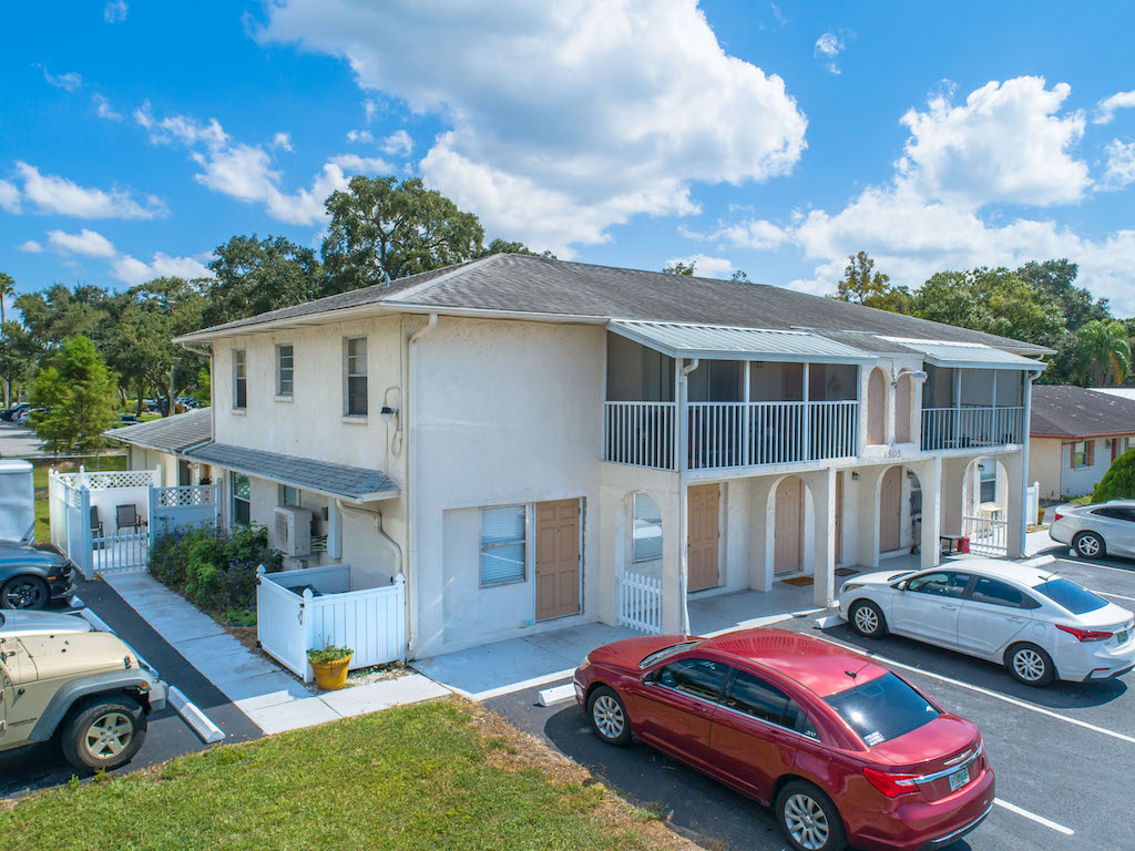 The Multifamily Firm Brokers 8-Unit Apartment BuildingSale in Bradenton, Florida