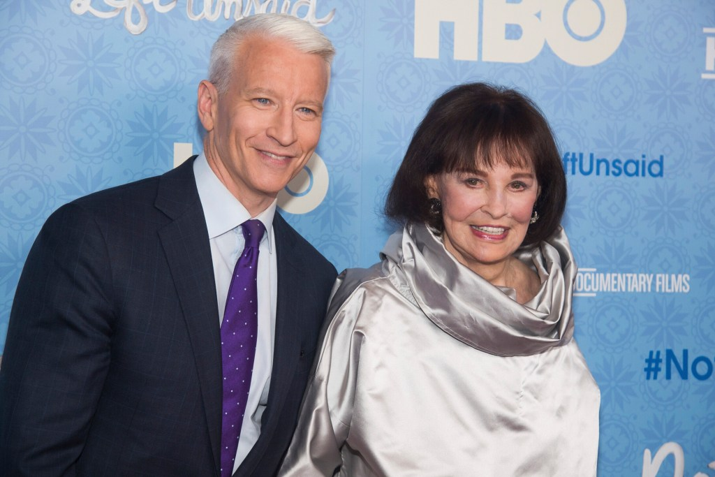 Gloria Vanderbilt is shown with her son, CNN anchor Anderson Cooper, in 2016.