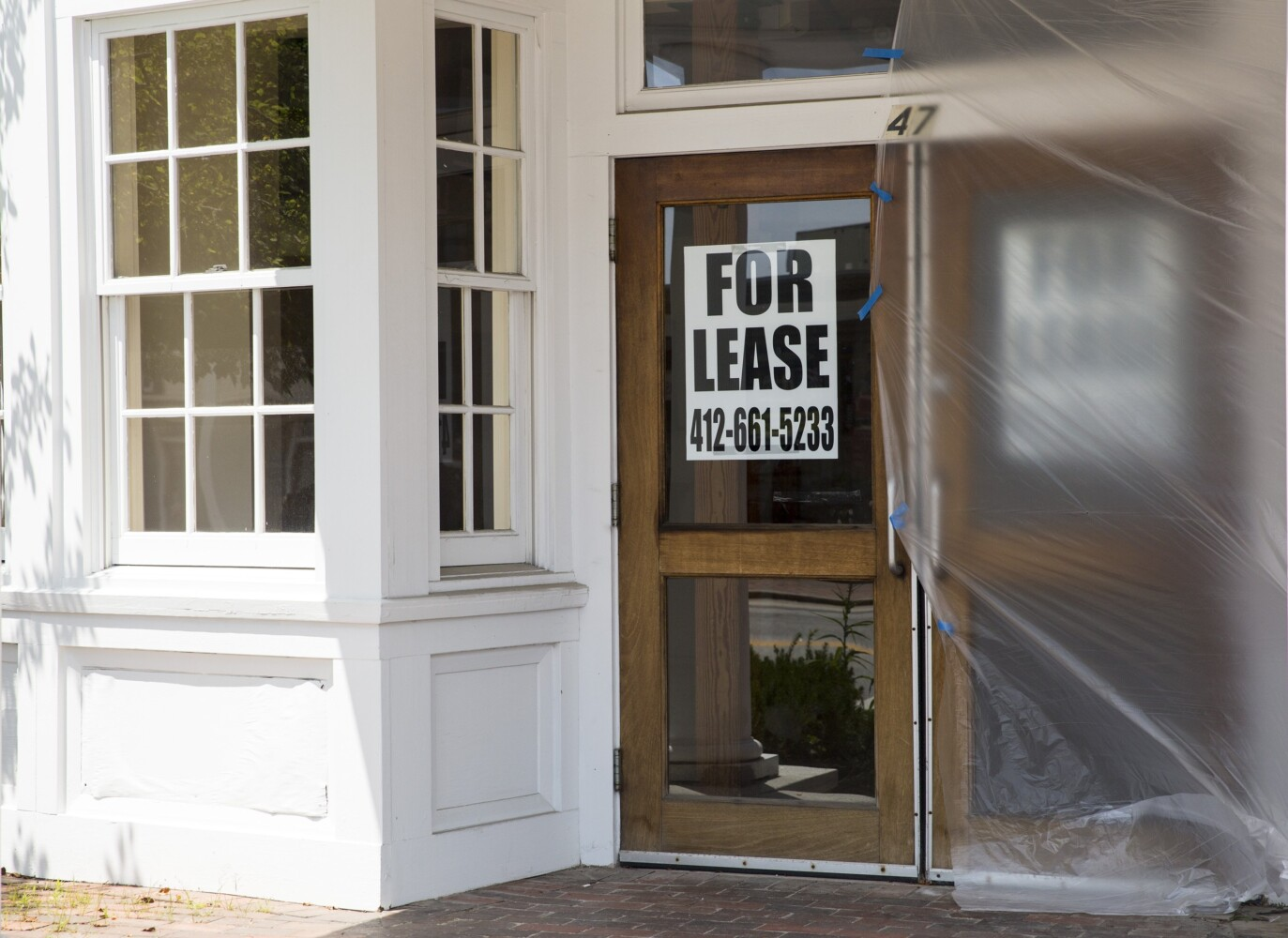 Maine's 2 major retail outlet towns chart falling sales