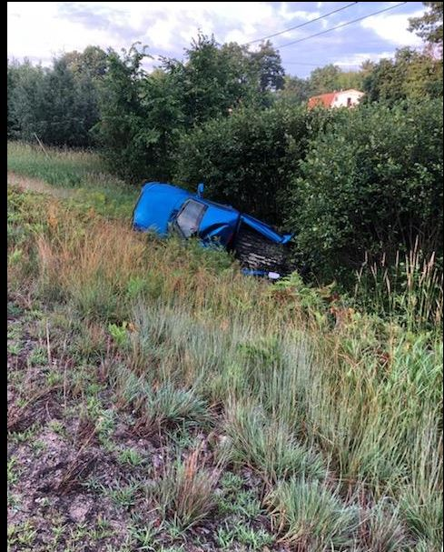 Farmington man injured in Livermore Falls rollover