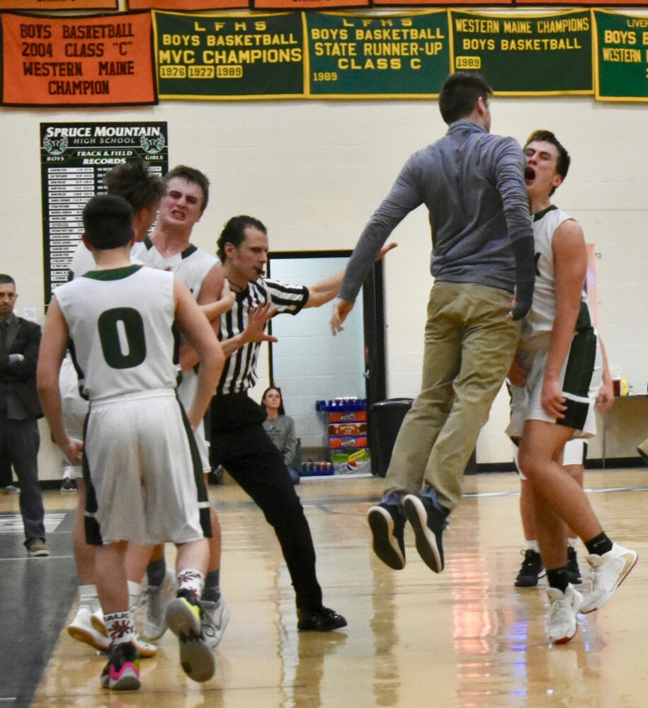 Basketball Notes: Phoenix lives up to every challenge