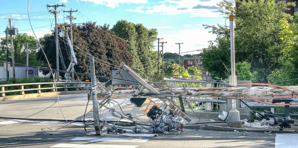 Downed line causes fire, electrified guardrail, traffic chaos ...