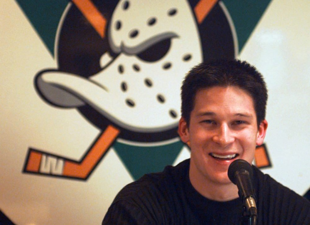 Paul Kariya's NHL career was still in its early stages in 1997 when he re-signed with Anaheim, where he teamed up with Teemu Selanne to form one of the league's best scoring duos.