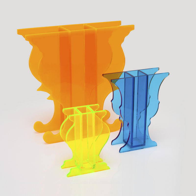 Acrylic vases from Art Innovation Style.