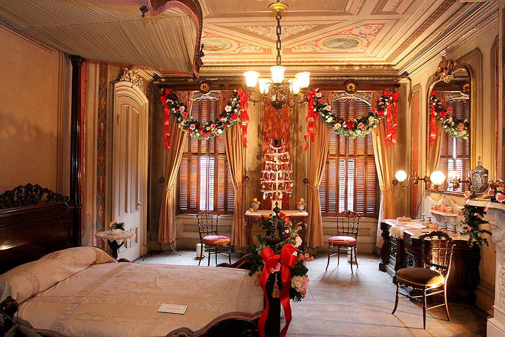 Christmas Finery At Victoria Mansion Portland Press Herald
