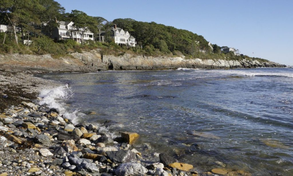 Coastal access to Broad Cove in Cape Elizabeth has divided residents of the Shore Acres neighborhood for years.